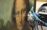 Куда смотрит Мона Лиза