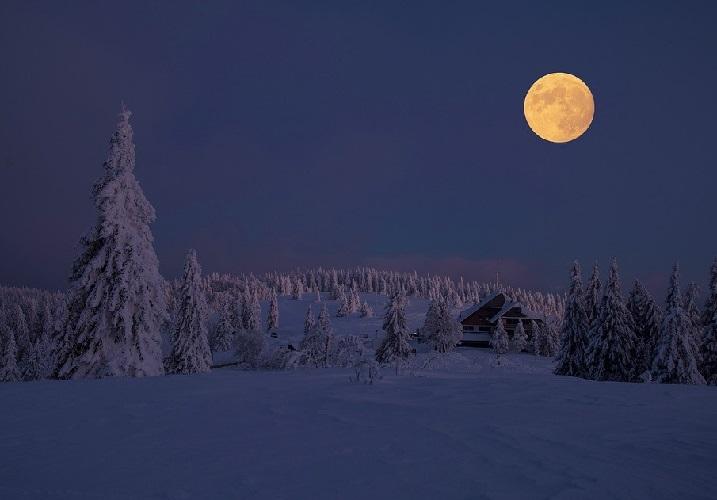 Эффект полной луны и сон. Полная луна