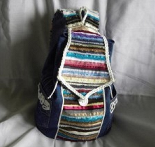 Сшить джинсовый рюкзак с полосками